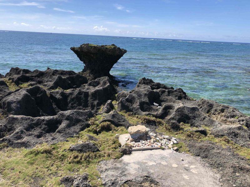 奥武島の竜宮神 龍座